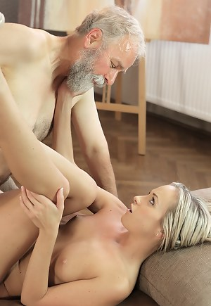 Girls Hardcore Porn Pictures