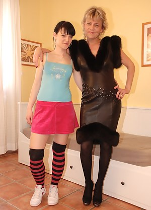 Lesbian Girls Porn Pictures