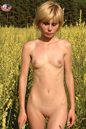 Girls Outdoor Porn Pictures