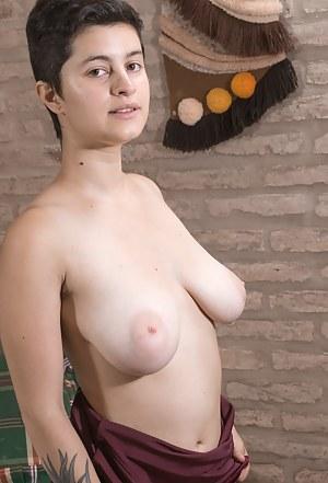 Short Hair Girls Porn Pictures